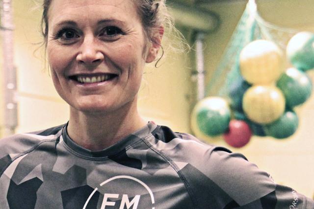 TRÄNINGSEXPERT. Lina Lerjéus från Försvarmakten i Skövde har tagit fram FMTKs kompletta träningsapp som alla numera kan ladda ner gratis. Foto: Johan Ragnarsson, Försvarsmakten