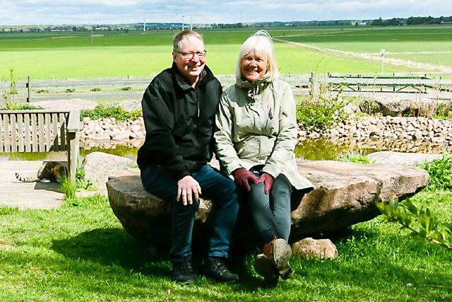 TILLSAMMANS. Agneta och Inge har många gemensamma intressen och trivs med livet på prästgården i Flistad.