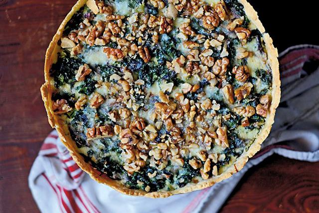 LYX.Grönkålspaj med västerbottensost och valnötter. Godaste matpajen i vinter.