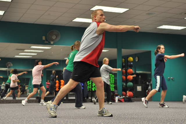 BANTARMYTER. Många tror att muskler väger mer än fett. Och att det är lättare att gå upp i vikt ju senare på kvällen man äter. Fel, fel, fel. Kolla de mytavlivande svaren här.